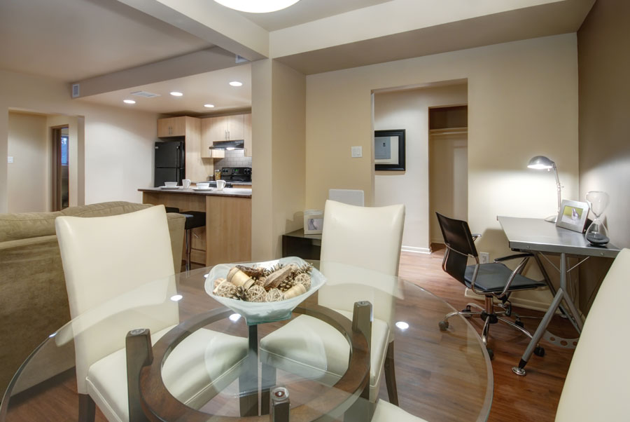 Towers Realty Group - Lanark Gardens - Dining-Kitchen