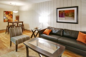 Apartments For Rent Winnipeg - Drury Apartment Living and Dining Room - Towers Realty