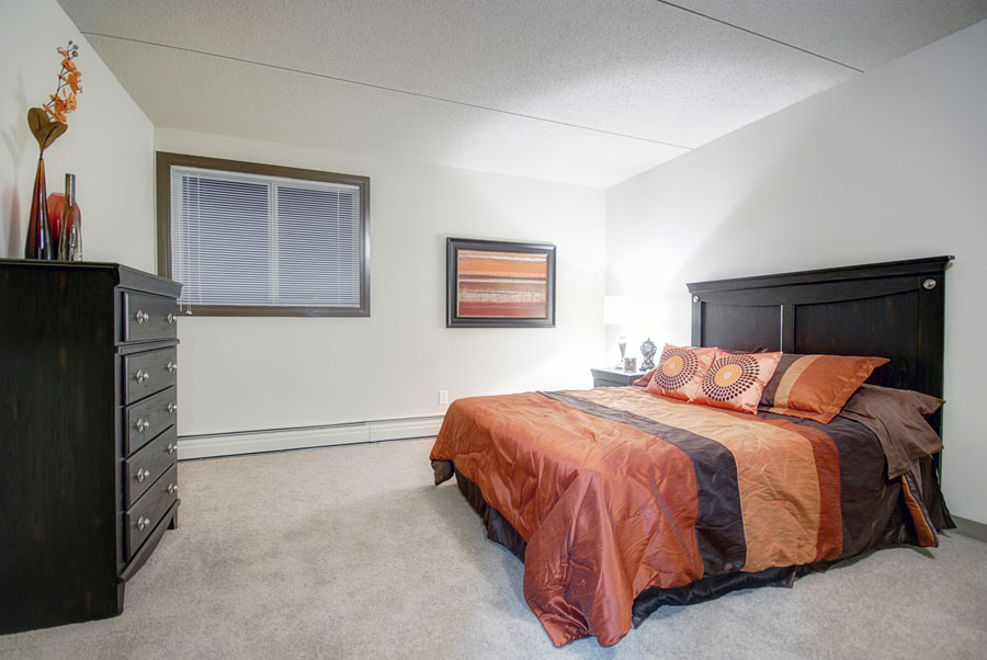Apartments For Rent Winnipeg - Drury Apartment Bedroom - Towers Realty
