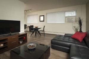 Towers Realty Group - Oakton Manor - Living-Dining2