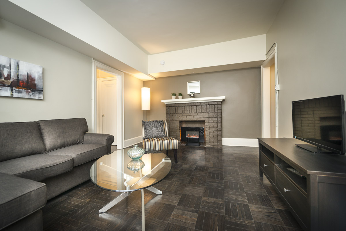 Towers Realty Group - Royal Oak Court - Living Room