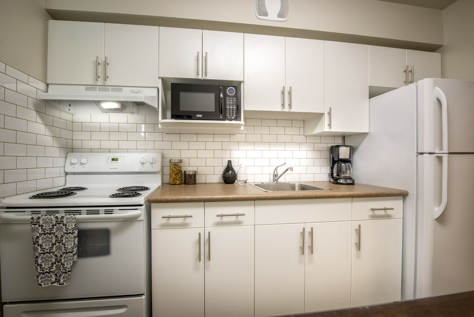 Fay Ellen Apartments | Towers Realty
