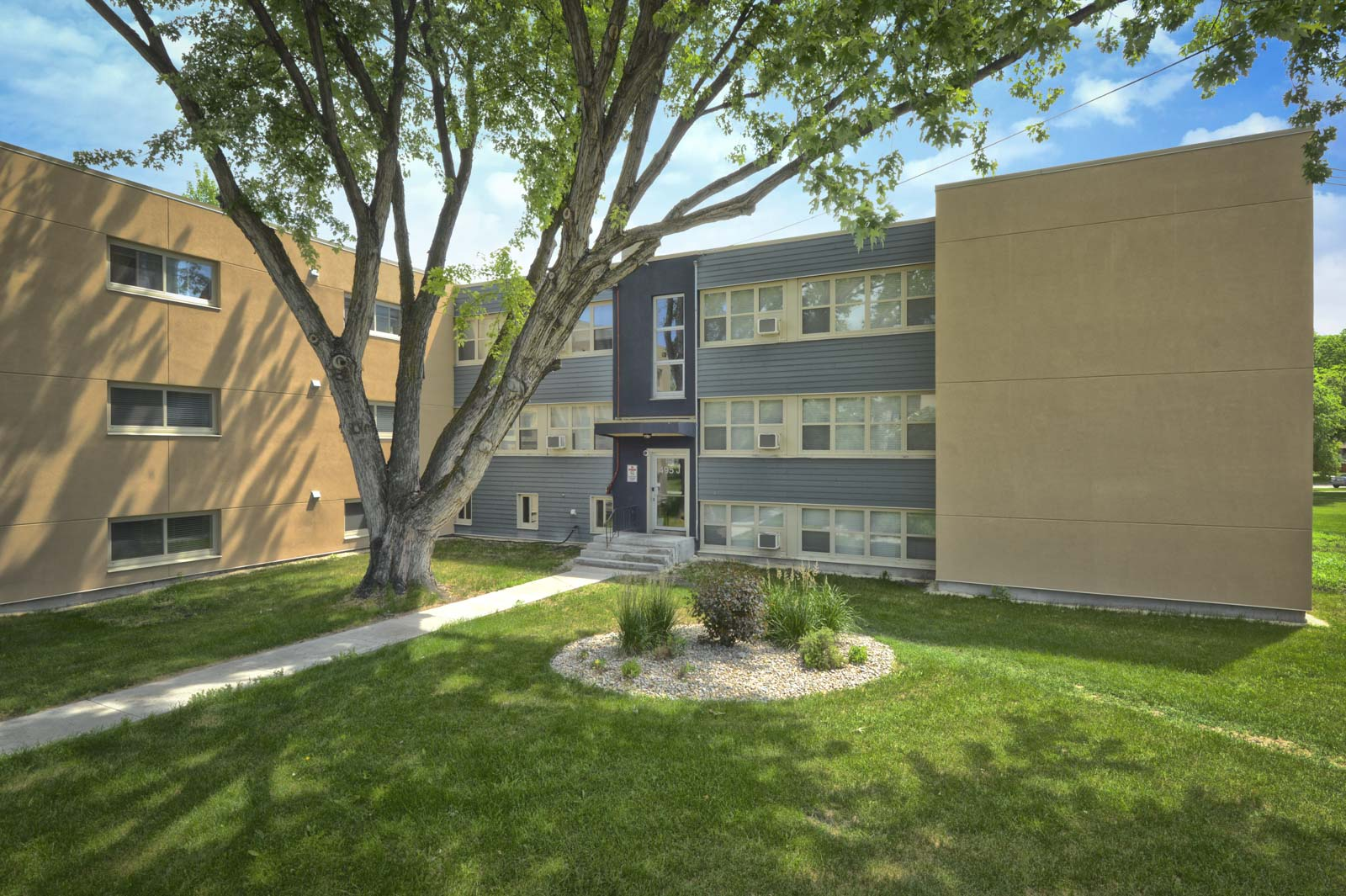 Lanark Gardens - River Heights - Winnipeg Apartment for Rent