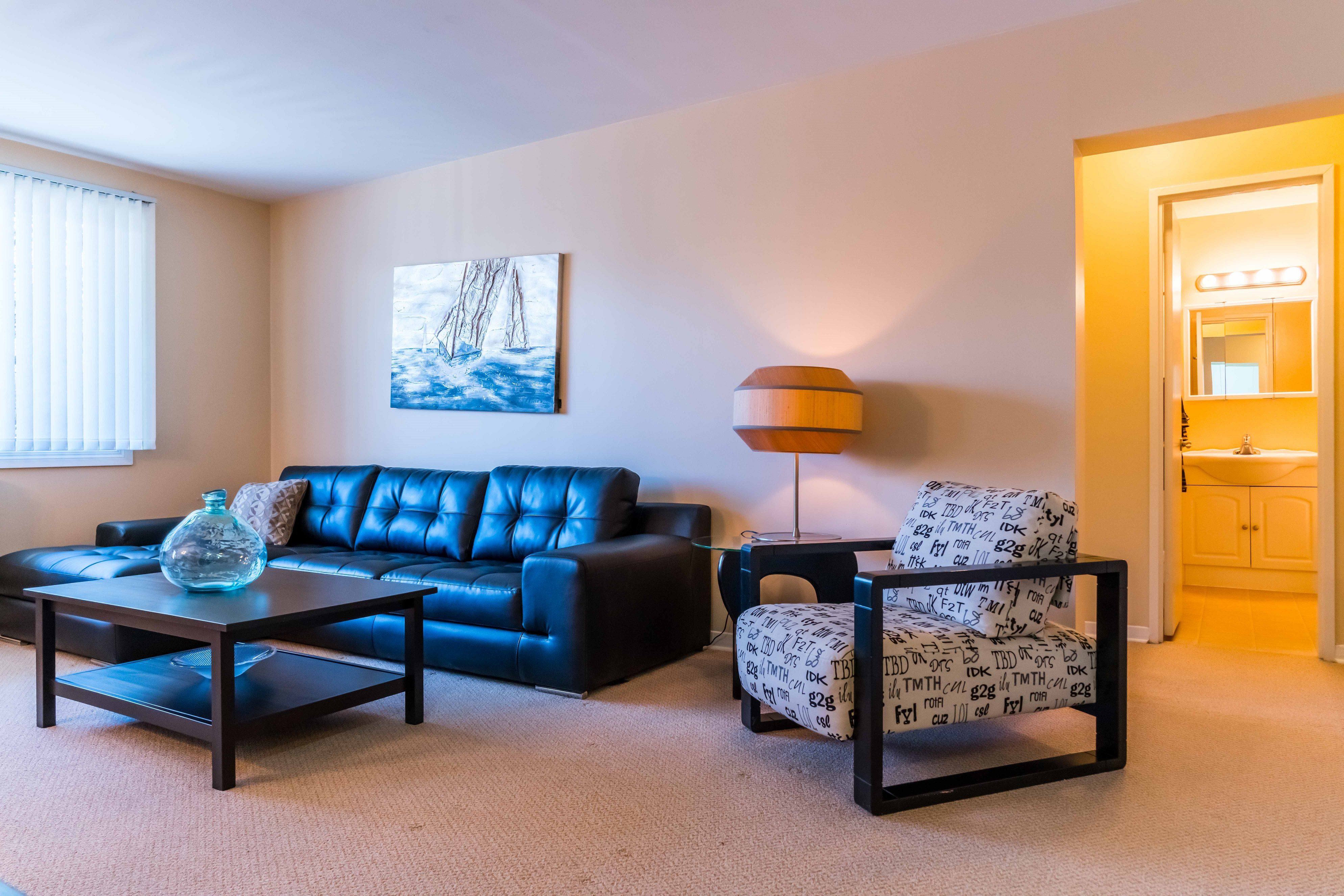 Apartments For Rent Winnipeg -555 River Apartment Family Room