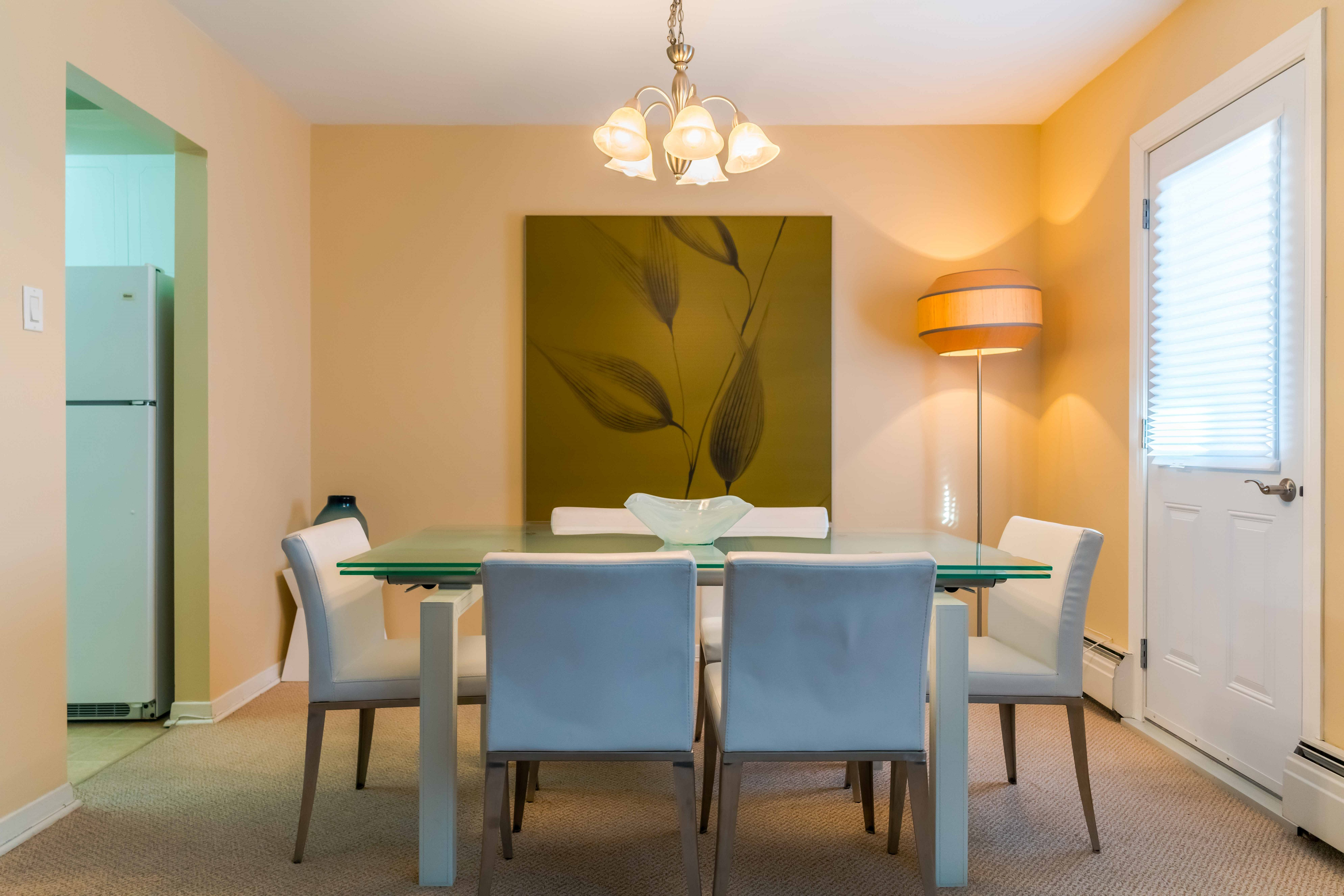 Apartments For Rent Winnipeg - 555 River Apartment Dining Room