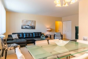 Apartments For Rent Winnipeg - 555 River Apartment Dining and Family Room