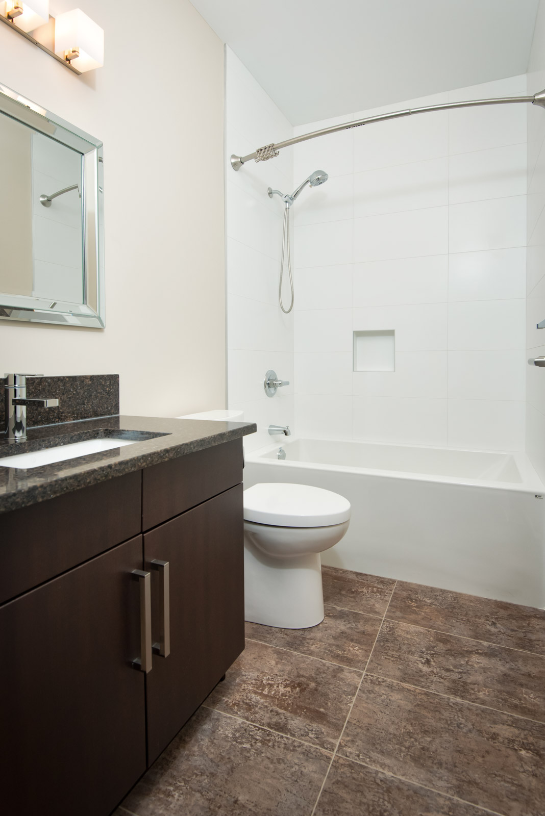 Towers Realty Group - 604 Jessie Unit 1 - bathroom2