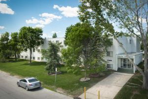 Towers Realty Group - Fairlane Apartments - 710 David Avenue - exterior 2