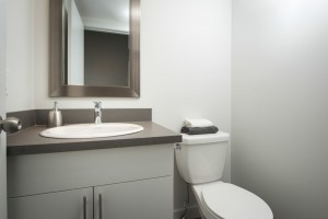 Towers Realty Group - Scotland Ave Duplex - Bathroom2