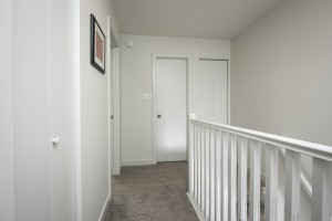 Towers Realty Group - Scotland Ave Duplex - Hallway