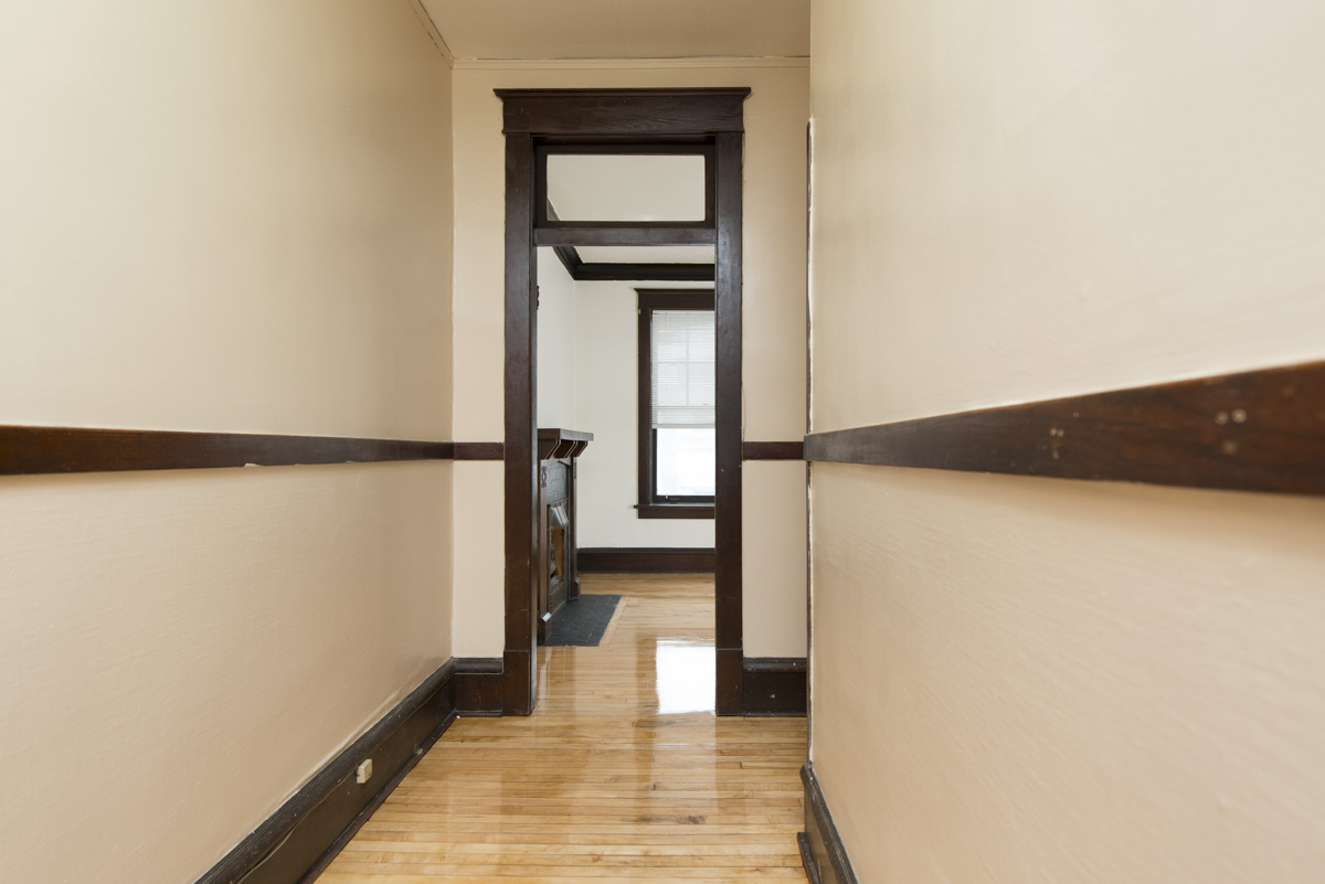 Towers Realty Group - Conway Court - Hallway