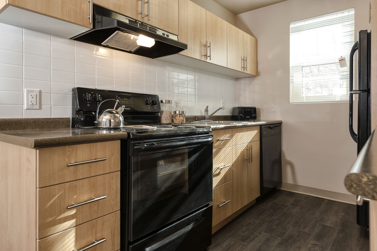 Towers Realty Group - Grandview Apartments - Kitchen 2