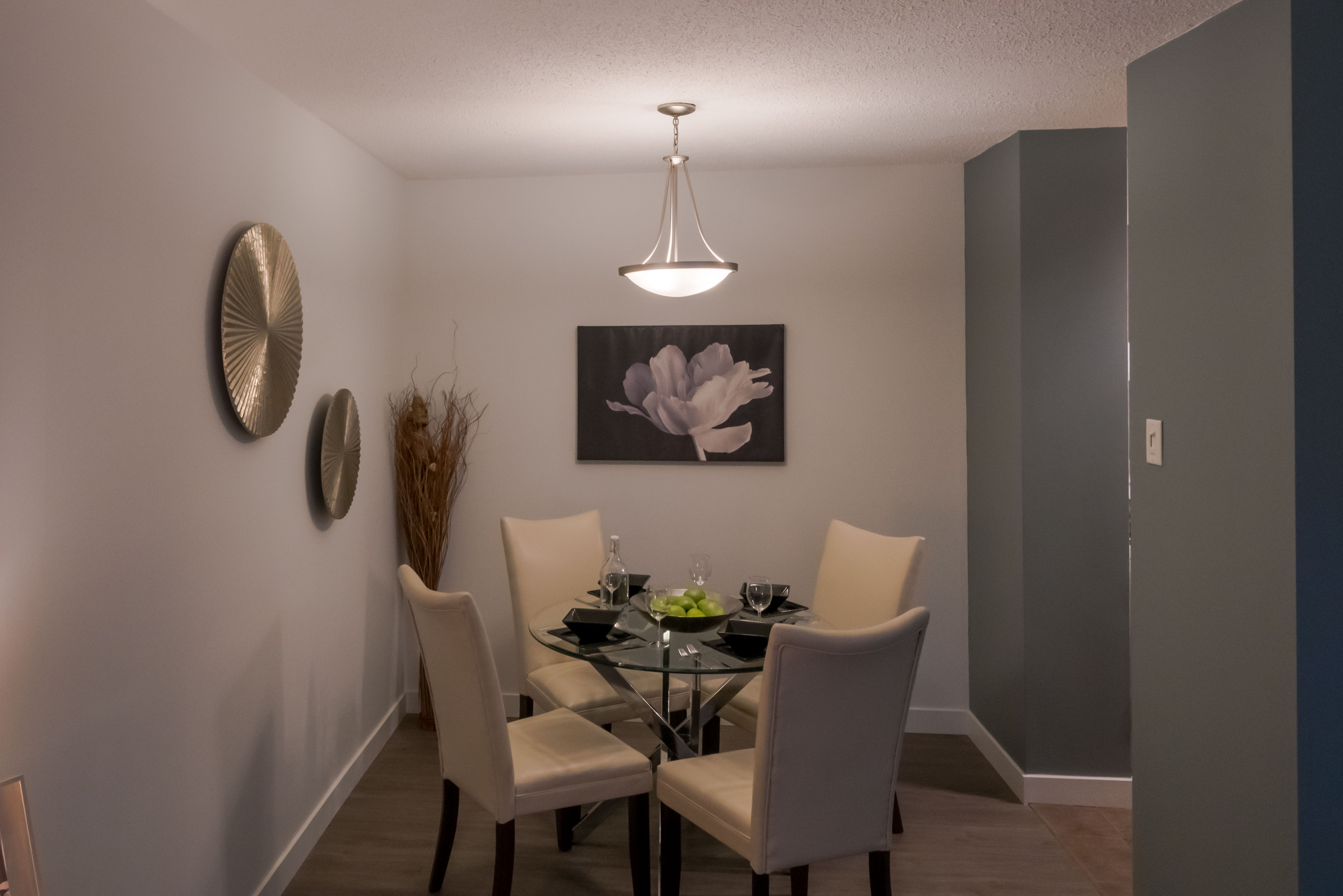 Towers Realty Group - Hillsboro House - Dining Room