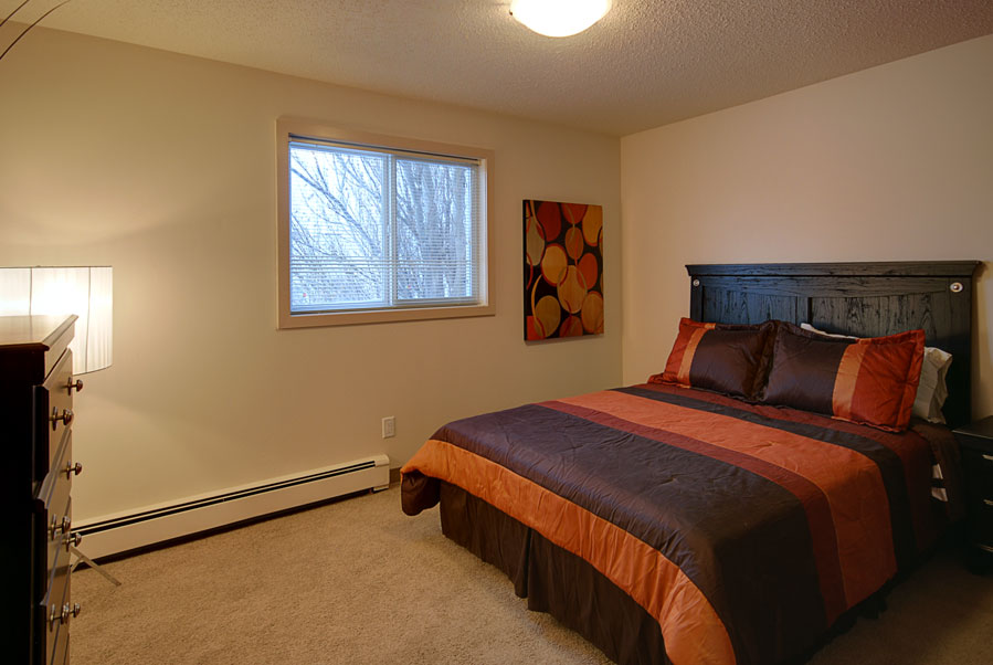 Towers Realty Group - 66 Killarney Ave - Bedroom