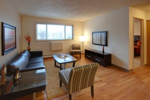 Towers Realty Group - 66 Killarney Ave - Living Room 1