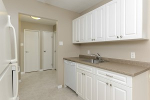 Towers Realty Group - 990-1000 Markham - Kitchen 2