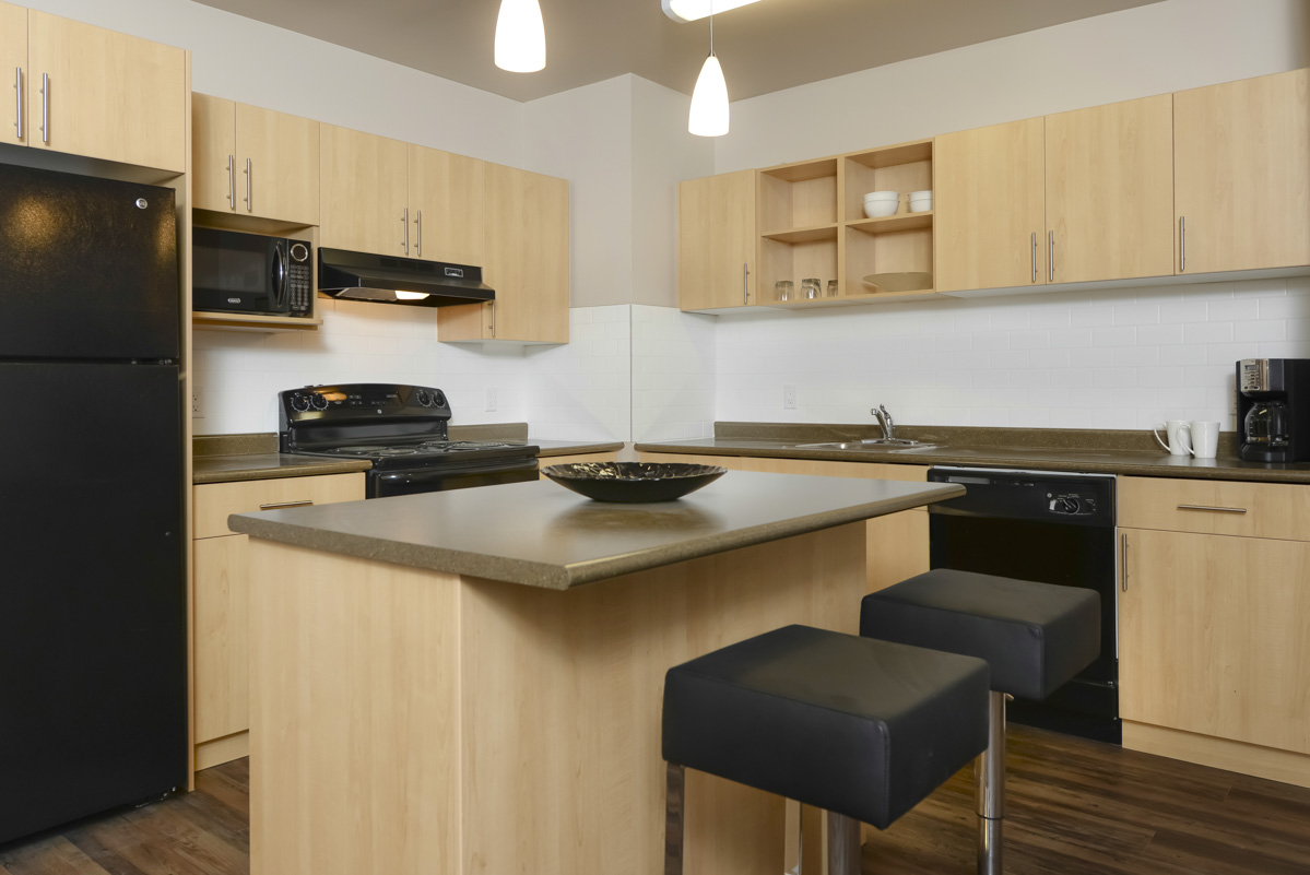 Towers Realty Group - Essex House - 2415 Portage Avenue - 2 Bedroom - Kitchen 2