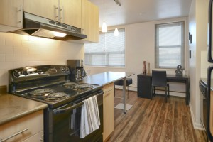 Towers Realty Group - Essex House - 2415 Portage Avenue - 1 Bedroom - Kitchen 3