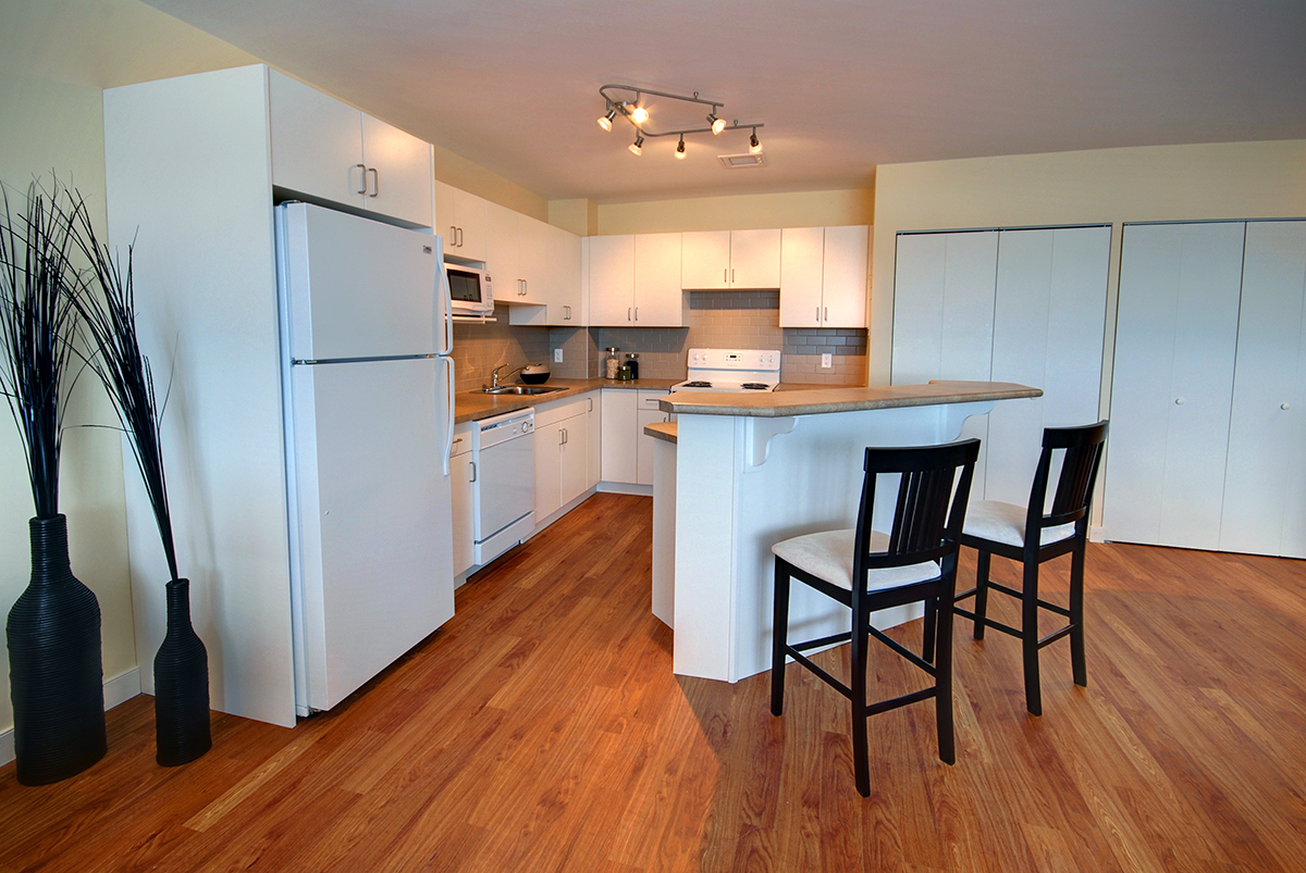Towers Realty Group - Lanark Towers - Kitchen 2