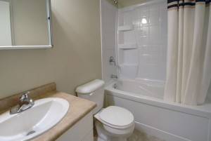 Towers Realty - Morgan Manor - 1205 Grant - Bathroom
