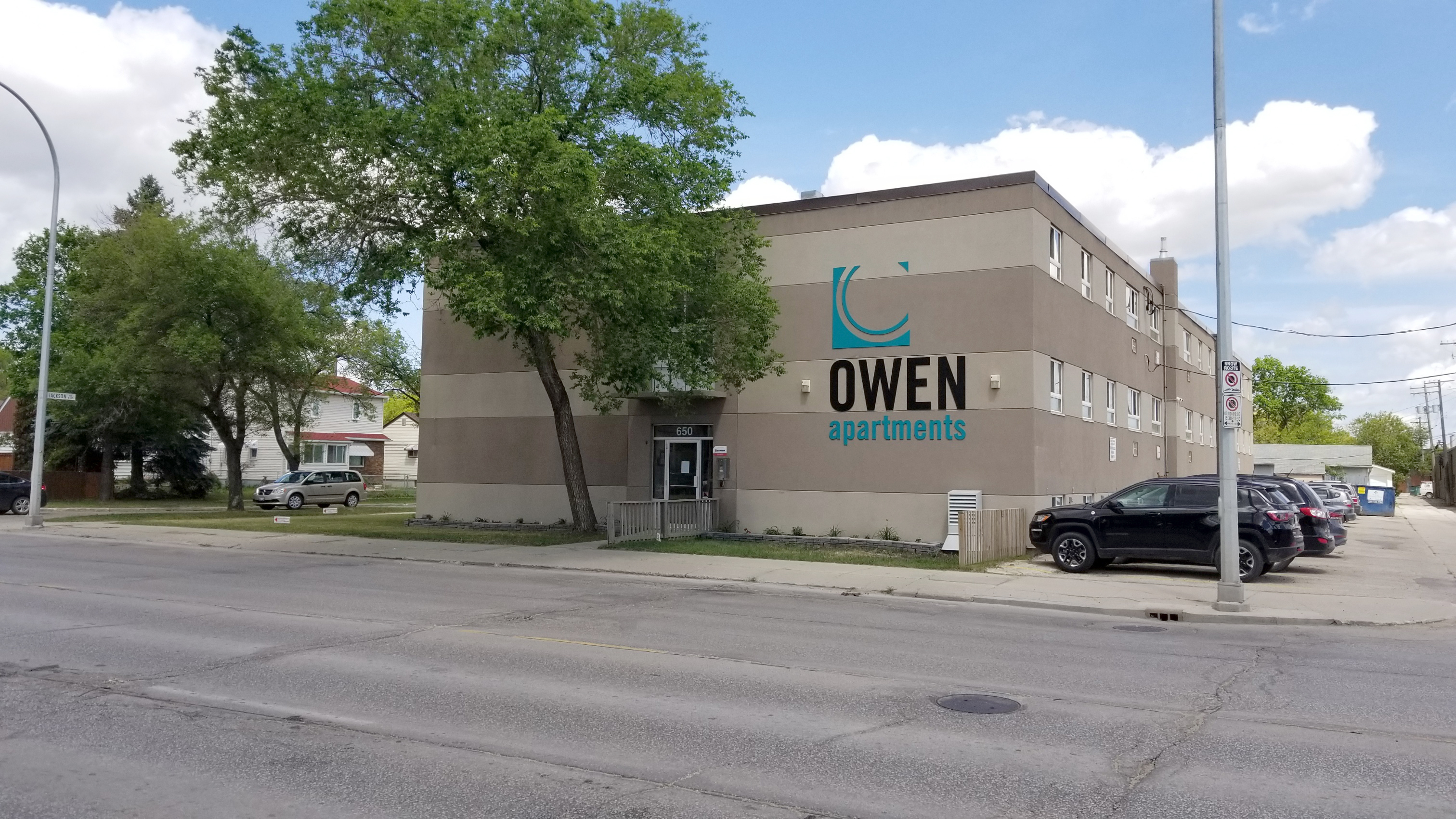 Towers Realty Group - Owen Apartments - 650 Stafford Street - exterior