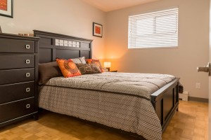 Towers Realty Group - Owen Apartments - 650 Stafford - Bedroom 1
