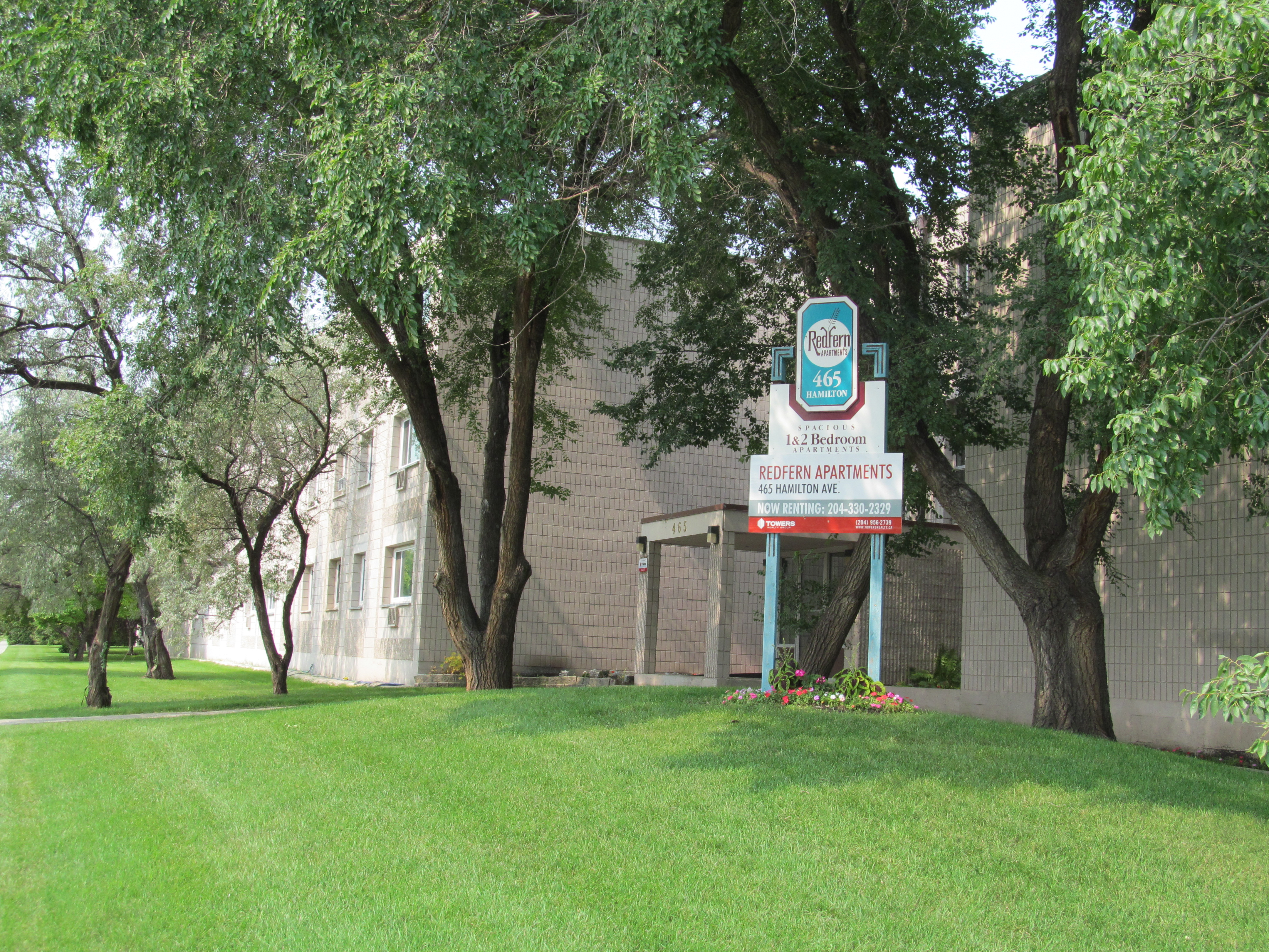 Apartments For Rent Winnipeg - Redfern Apartment Building - Towers Realty