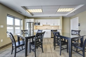 Apartments For Rent Winnipeg -Ridge Apartment Dining Room and Kitchen - Towers Realty