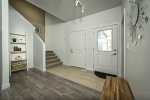 Apartments For Rent Winnipeg - Ridge Apartment Foyer - Towers Realty