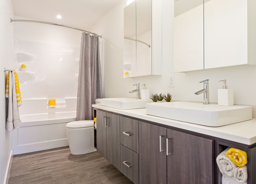 Towers Realty Group - The Spot at Tuxedo Point - Bathroom