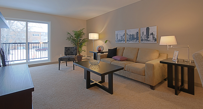 Towers Realty Group - 50/70 Southpark Drive - Living Room