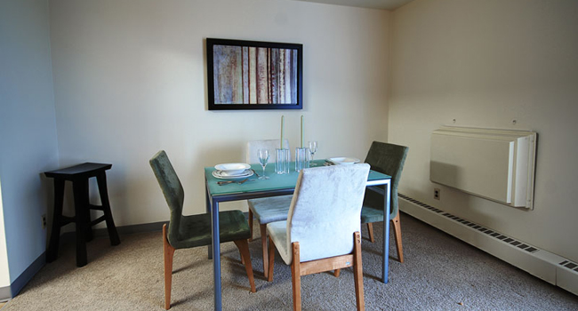 Apartments For Rent Winnipeg - Bonita Apartment Dining Room - Towers Realty