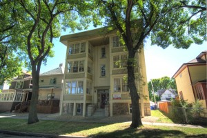 Apartments For Rent Winnipeg - Clarence Court Apartment Building - Towers Realty