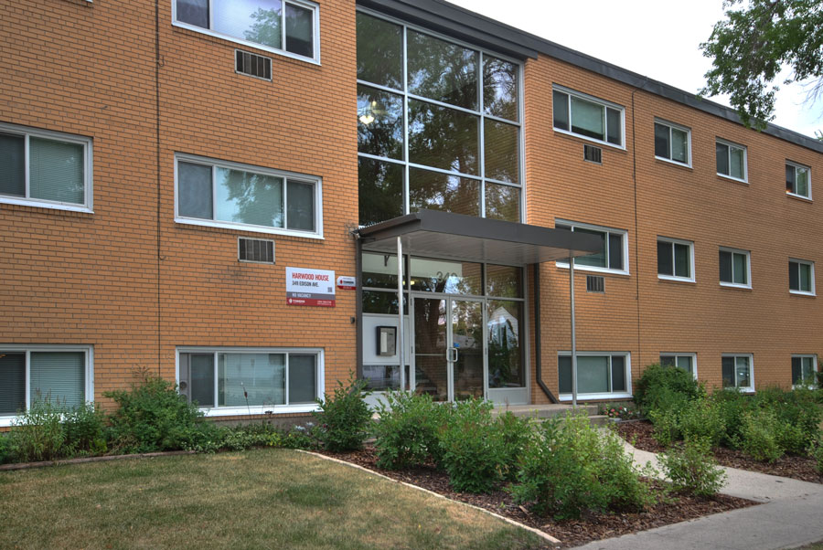 Apartments For Rent Winnipeg - Harwood Apartment Building - Towers Realty