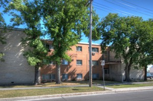 Apartments For Rent Winnipeg - Laralea Apartment Building - Towers Realty