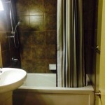 Apartments For Rent Winnipeg - Apartment Bathroom - Towers Realty
